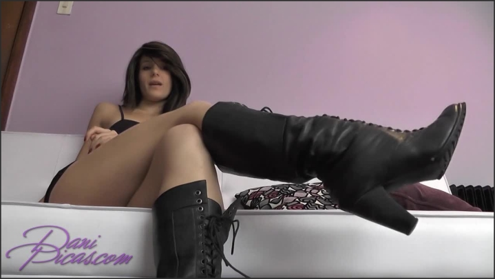 [HD] cei boot worship 2 vids 1 cup dani picas - DirtyDaniPicas, - manyvids   Size 234,8 MB