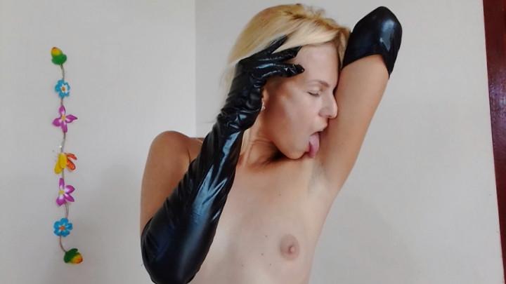 [HD] missanja hairy armpitslicksniff in latex gloves - MissAnja - ManyVids   Latex, Hairy Armpits - 696,3 MB