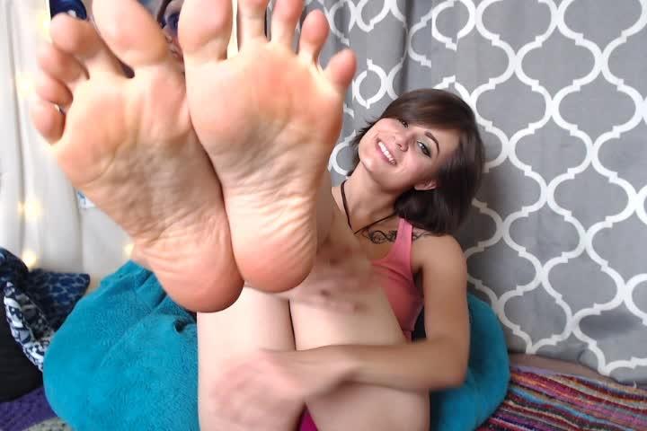 [SD Porn] ninacrowne sole licking and footjob - NinaCrowne - ManyVids Porn | Barefoot, Brunette - 31...