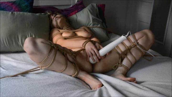 [SD] ninacrowne tied up and cumming - NinaCrowne - ManyVids | Bondage, Brunette - 354,7 MB