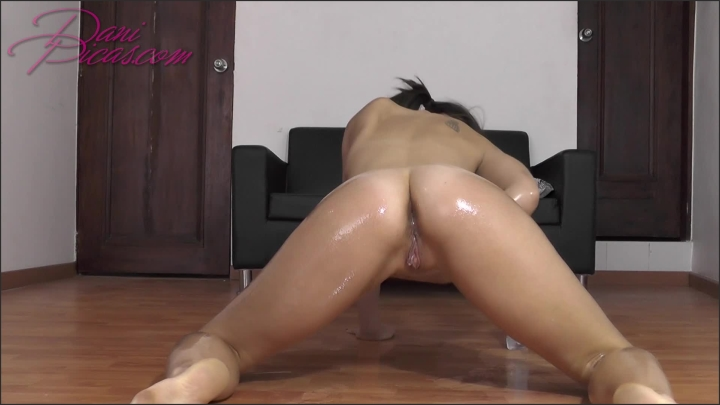[Full HD Porn] oil play dani picas - DirtyDaniPicas - ManyVids Porn | Size - 139,5 MB