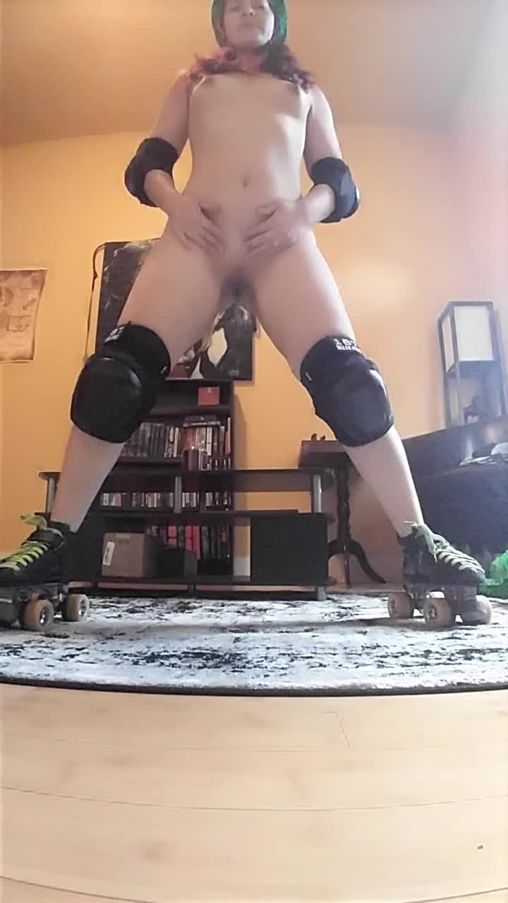 [HD Porn] tawney roller girl fucks herself - Tawney - ManyVids Porn | Dildo Sucking, 18 & 19 Yrs...
