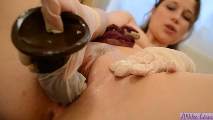 Порно ролики крупно в медицинских перчатках
