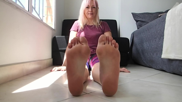[Full HD Porn] bobbicruz sallys ticklish feet - bobbicruz - ManyVids Porn | Barefoot, Tickling - 169...