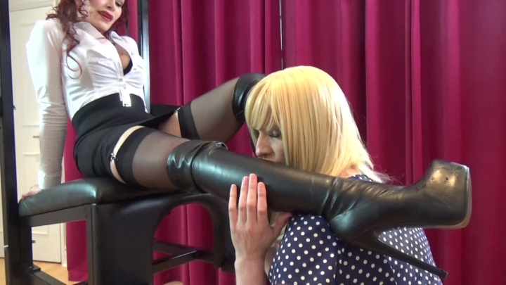 "[HD Video] ""JessicaDee25"" christening new thigh high leather boots / (ManyVids) 