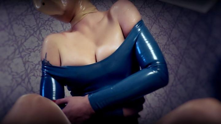 [Full HD Porn] feetfundoll latex as my second skin part 3 final - FeetFunDoll - ManyVids Porn | Brea...