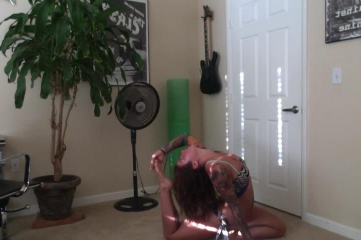 [HD] felicity feline felicity feline dancing and yoga workout - Felicity Feline - ManyVids | Dancing, Fitness - 208,2 MB