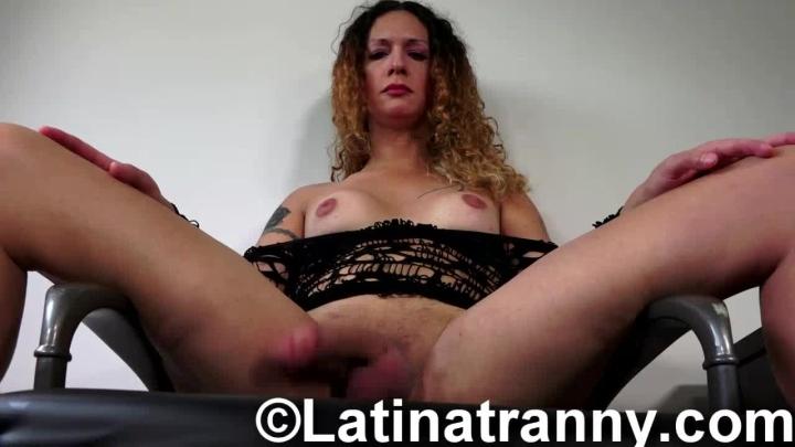 Nikki ts fun cum, men takin it in there ass