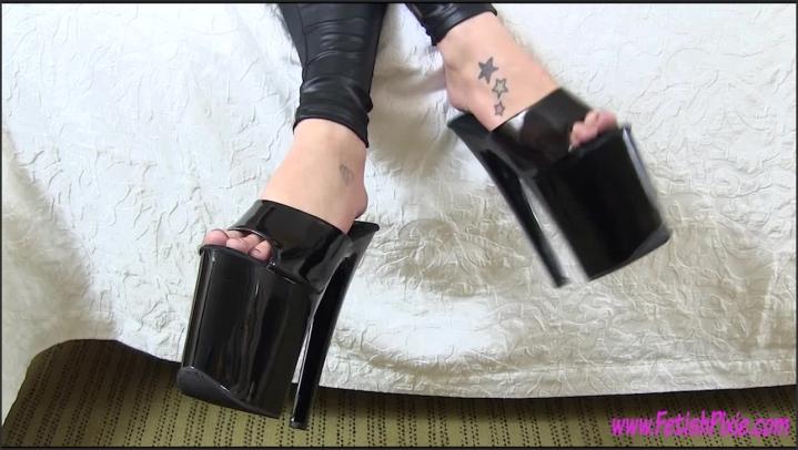 [HD Porn] fetishpixie dangling my 10 inch black heels - FetishPixie - ManyVids Porn   Size - 142,2 M...