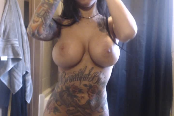 [SD Porn] lilylanexxx shall we shower - LilyLanexxx - ManyVids Porn | Shower, Boob Bouncing, Strip T...