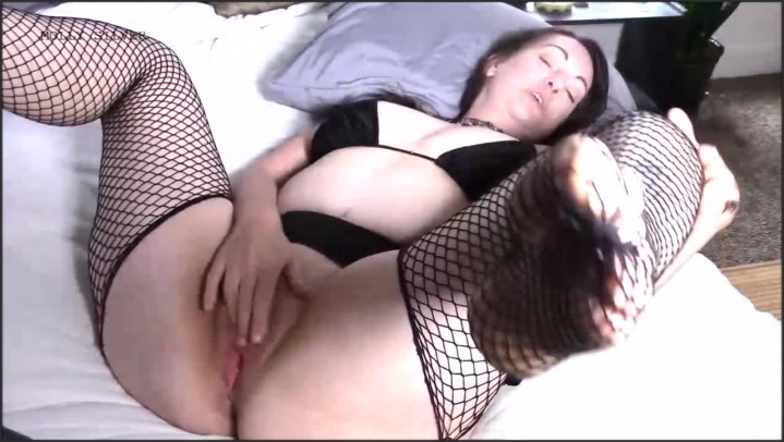 [HD] mollysilver my brother loves me in fishnets - MollySilver - ManyVids | Size - 202,2 MB