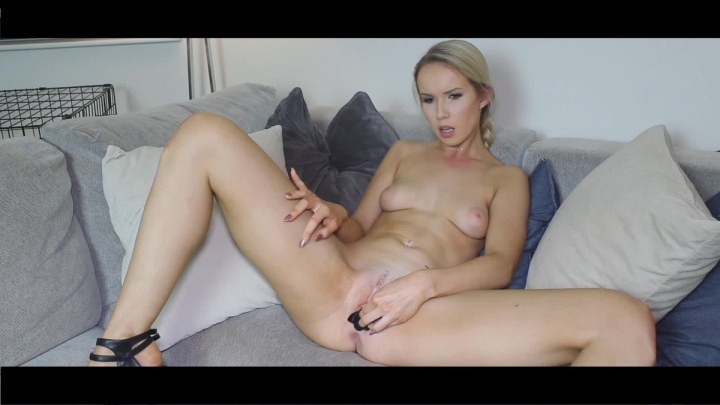 [Full HD Porn] OmgSophia panty stuffing in stilletos - OmgSophia - ManyVids Porn | Panty Stuffing, A...
