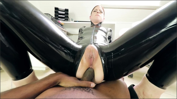 [Full HD] ass ride in latex h265 - Mix - manyvids   Size 17.08.2018 - 200,3 MB