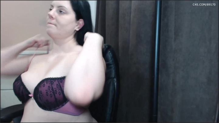 [Full HD] booty4u all of my bras are too small - Booty4U - ManyVids | Size - 433,7 MB
