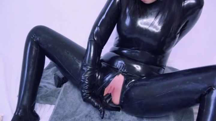 """[Full HD Video] """"Dawn Willow"""" dawn willow latex fetish and squirting / (ManyVids) 
