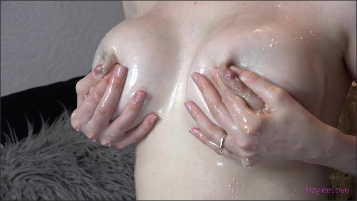 [Full HD] hayleelove milk oil - HayleeLove - manyvids & Web Cam | Size - 1,1 GB