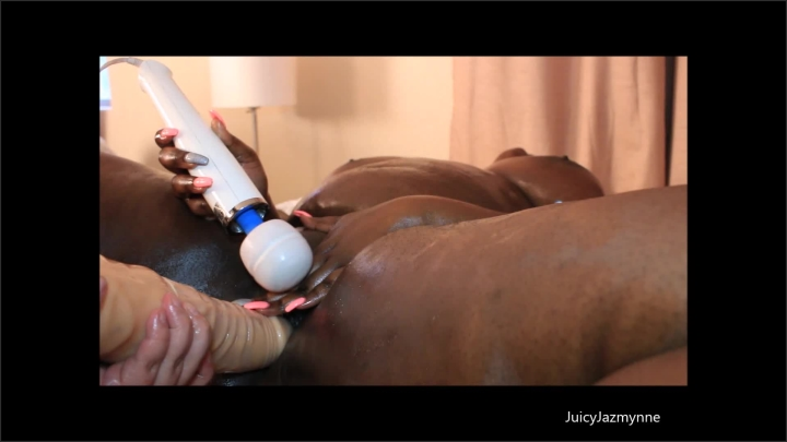 [Full HD] marley quicky - Mix - manyvids   Size - 580,7 MB