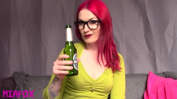 "[Full HD Video] ""Mia Fox"" mia fox beer makes me burp / (ManyVids) | Hiccups, Femdom - 606,9 MB"