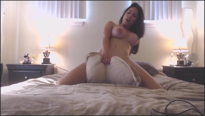 [HD] bellabrookz bella brookz   my naughtiest video   pillow humping - BellaBrookz - Amateur | Size - 89,9 MB