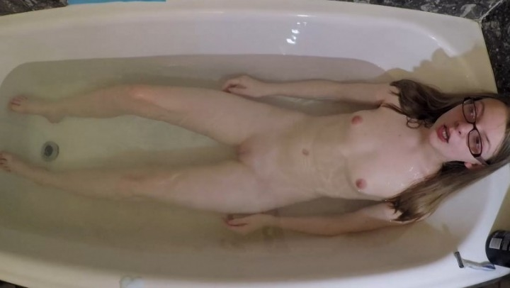 [Full HD] ffezine daughters pussy shave part 2 - FFeZine - ManyVids | Pussy Shaving, Taboo - 554,5 MB
