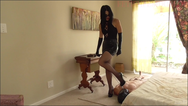 [Full HD] young goddess kim bedroom service - Young Goddess Kim - Clips4Sale | Size - 839,8 MB