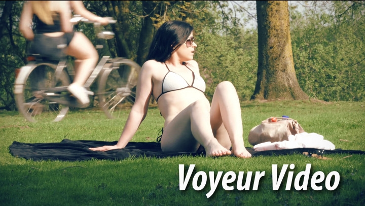 [4K Ultra HD] 1mandala1 4k spying on young woman sunbathing - 1Mandala1 - ManyVids | Voyeur, Public Nudity - 624,8 MB