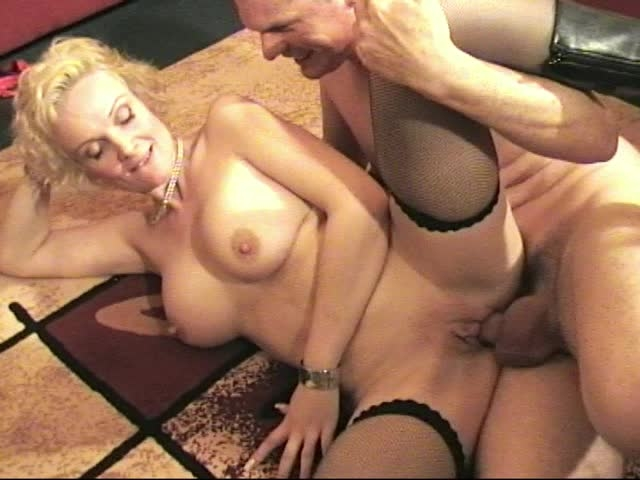 [SD] amateur girls fucked i fuck frankie she then sucks my cock - Amateur Girls Fucked - ManyVids | Bareback, Blowjob - 327,7 MB