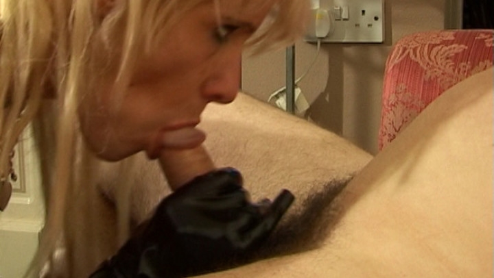 [SD] amateur girls fucked rimming cock and pussy play with friend - Amateur Girls Fucked - ManyVids | Pussy Eating, Milfs - 185,6 MB