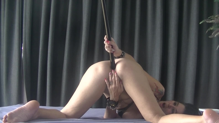 [Full HD] misssassfun cue stick in my ass - misssassfun - ManyVids | Odd Insertions, Milfs, Amateur - 201,3 MB