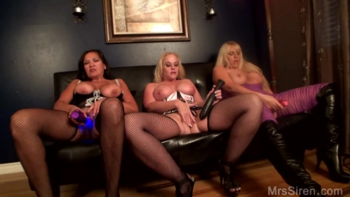 [HD] dee siren three milfs and their toys - Dee Siren - Amateur | Squirting, Fisting, Big Toys - 864,3 MB