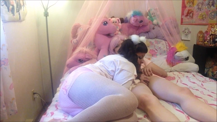 [Full HD] fluxieandchibi diaper princess creampie - FluxieandChibi - Amateur | Age Play, Adult Babies, Creampie - 1,8 GB