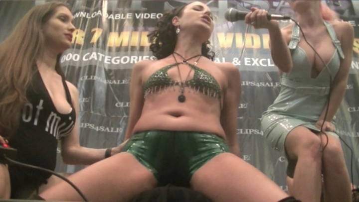 [HD] helenas cock quest welcome to my world 4 sybian in public - Helenas Cock Quest - Amateur | Orgasms, Sybian - 525,6 MB