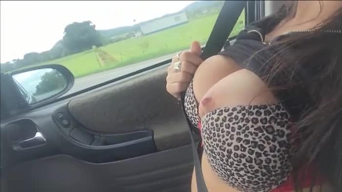 [LQ] emanuelly raquel masturbating in the car on the road - Emanuelly Raquel - Amateur | Solo Masturbation, Big Boobs - 100,7 MB