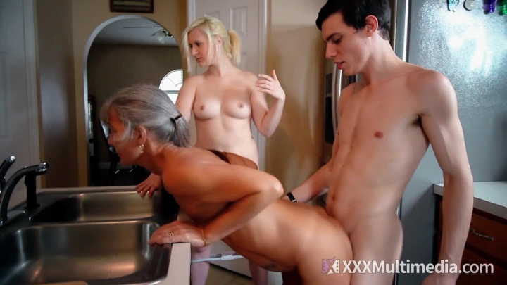 [Full HD] fifi foxx frozen family freeze real doll - Fifi Foxx - Amateur | Doll Fetish, Real Doll, Female Training - 2,2 GB