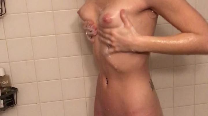 Hannah Blonde Hannah Gets Clean And Dirty