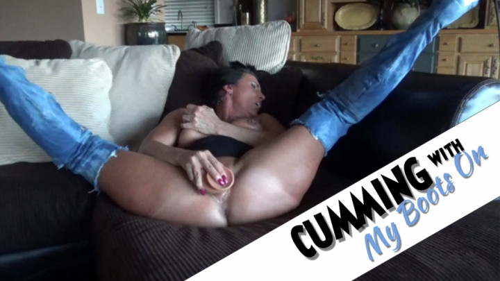 [HD] katie71 cumming with my boots on - Katie71 - Amateur | Moaning Fetish, Masturbation - 58,6 MB