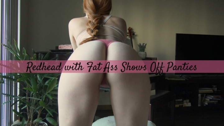 Sexysenna Redhead With A Fat Ass Shows Off Panties