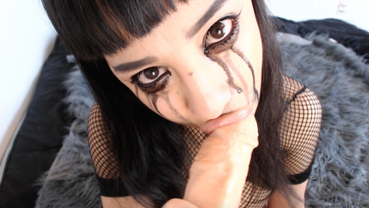 [HD] anna thorn goth girl begs to be facefucked - Anna Thorn - Amateur | Spit Fetish, Gagging - 1,5 GB