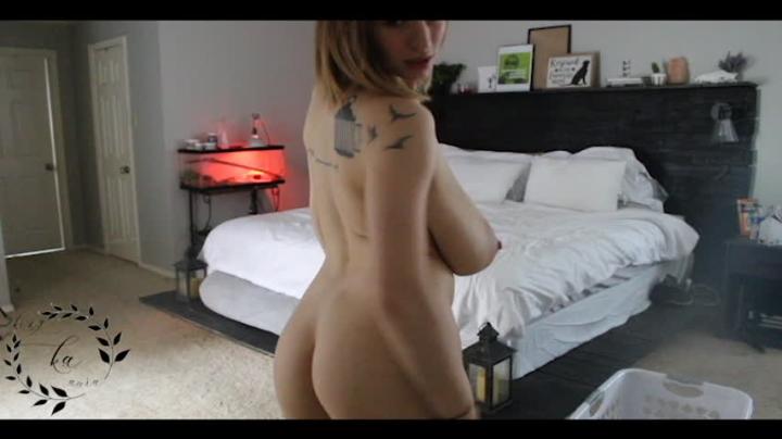 [SD] auroraxoxo long strip dance and finger fuck - AuroraXoxo - Amateur | Strip Tease, Fingering - 4,3 GB