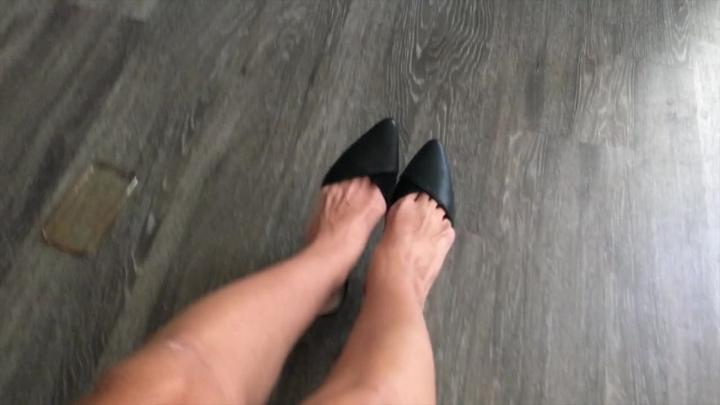 [HD] cassandracruz selfie stick with mule slapping - Cassandracruz - Amateur   Foot Fetish, Pointed Toes - 1 GB