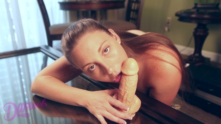 [Full HD] damselshd humiliated by an ejaculating dildo pt 2 - damselshd - Amateur | Dildo Sucking, Blowjob, Cum In Mouth - 434,4 MB