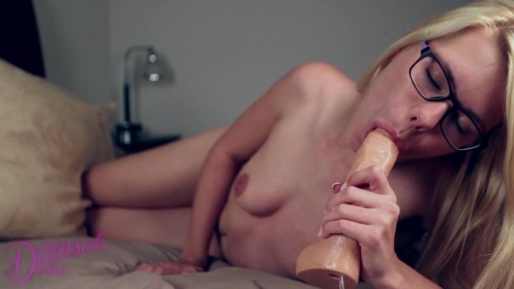 [Full HD] damselshd izzy delphine cum in my mouth - damselshd - Amateur | Dildos, Blow Jobs, Solo Female - 426,3 MB