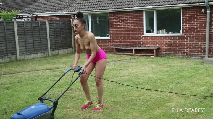 [Full HD] elladearest topless lawn mowing - EllaDearest - Amateur | Topless, Voyeur - 689,6 MB
