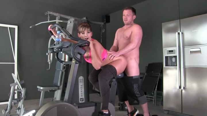 [Full HD] hannahbrooks fucked by my personal trainer in the gym - HannahBrooks - Amateur | Doggystyle, Fucking - 750,2 MB