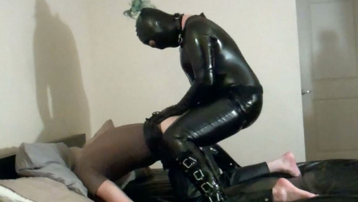 [Full HD] kinkdevice the training of bre - KinkDevice - Amateur   Strap-on, Pegging, Femdom - 571,6 MB