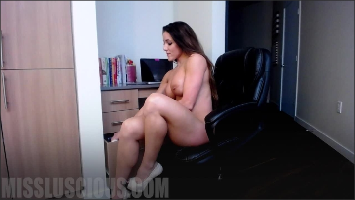 [HD] missluscious jerk it for your boss Size - 484,7 MB