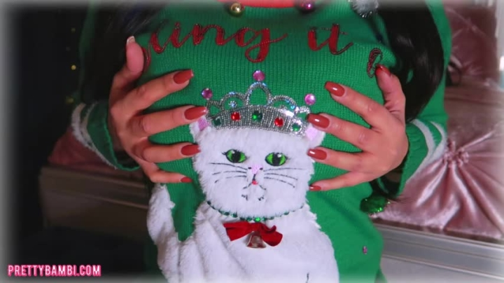 [SD] pretty bambi christmas sweater fetish - Pretty Bambi - Amateur | Long Nails, Boob Bouncing - 72,8 MB