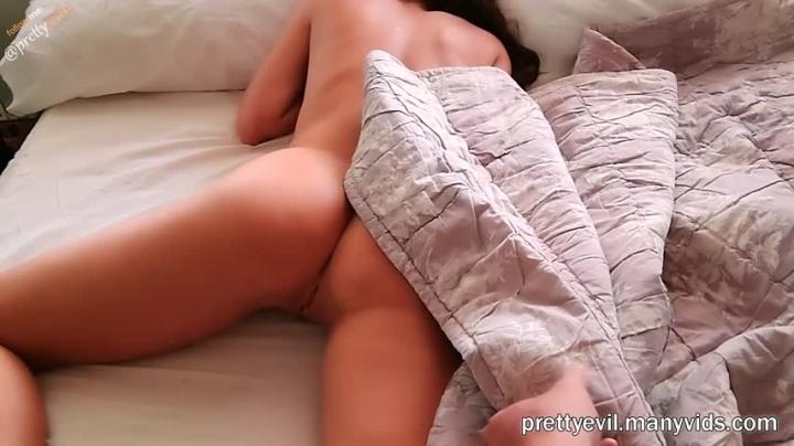 [Full HD] prettyevil morning fucking my step sister - prettyevil - Amateur   Pov, Sisters, Pov Sex - 611 MB