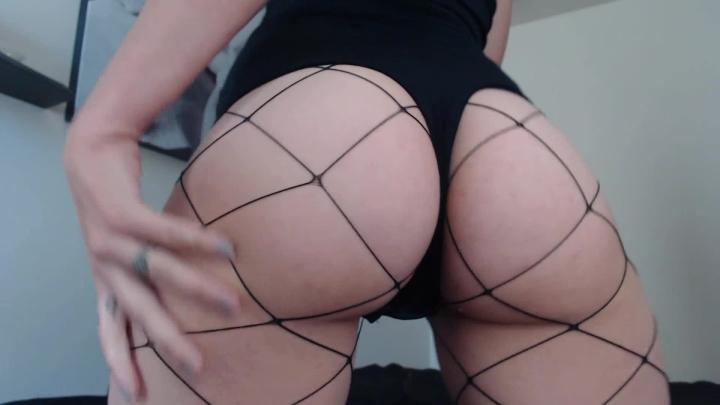 [Full HD] stella von savage ass shaking twerk in fishnets amp thong - Stella Von Savage - Amateur | Ass Worship, Twerk, White Booty - 595,5 MB