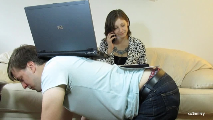 [HD] xxsmiley you are my new furniture - xxSmiley - Amateur | Powerful Woman, Chest Sitting, Humiliation - 319,1 MB
